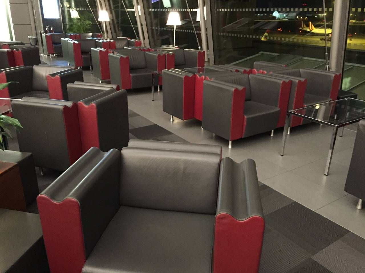 Hamburg Airport Lounge -011