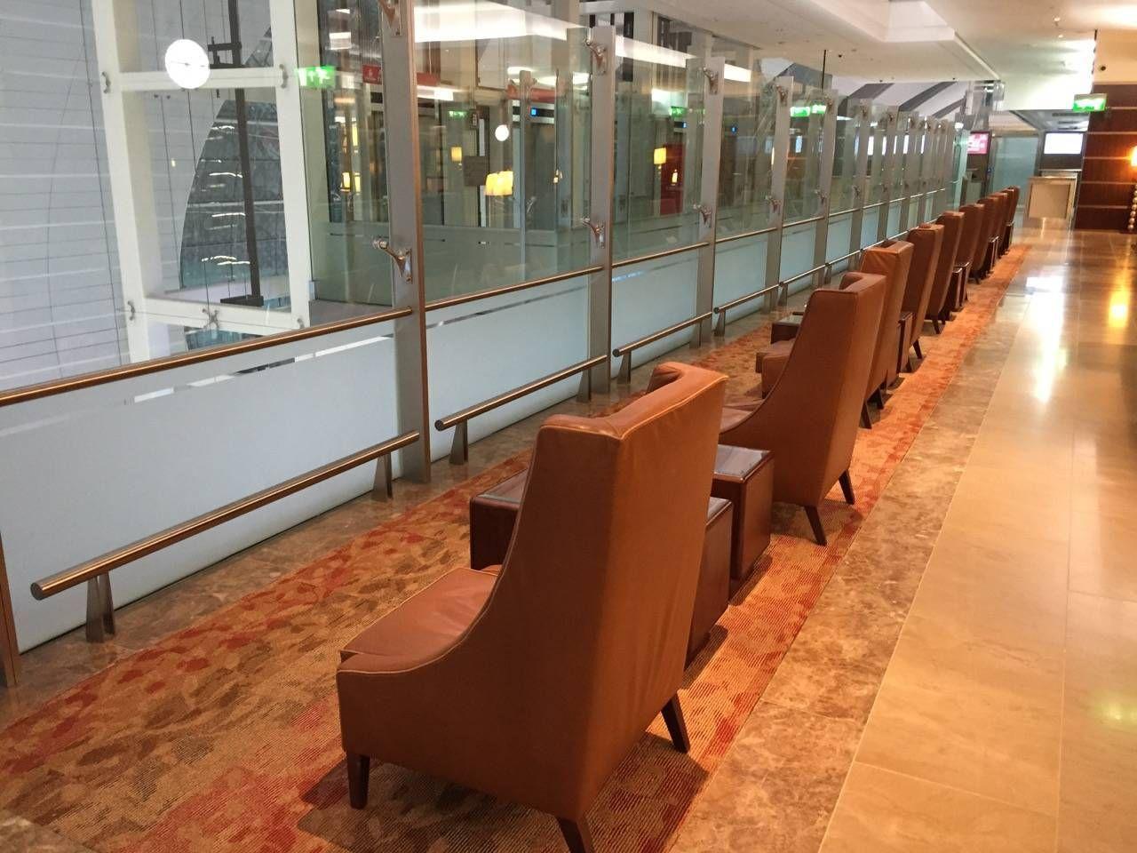 Emirates First Class Lounge Dubai -028
