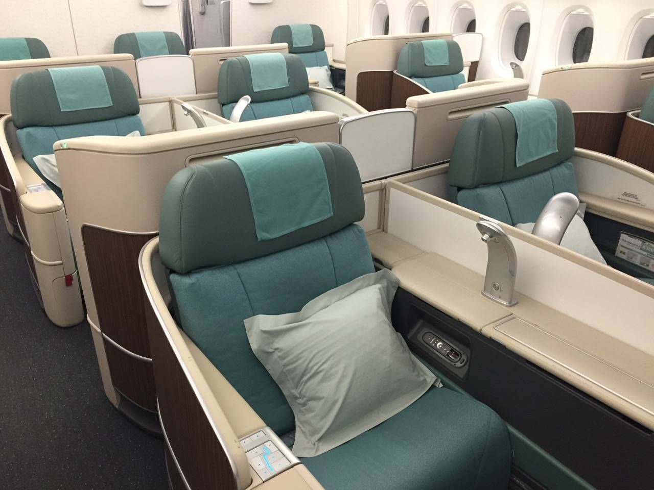 Korean Air First Class A380-013