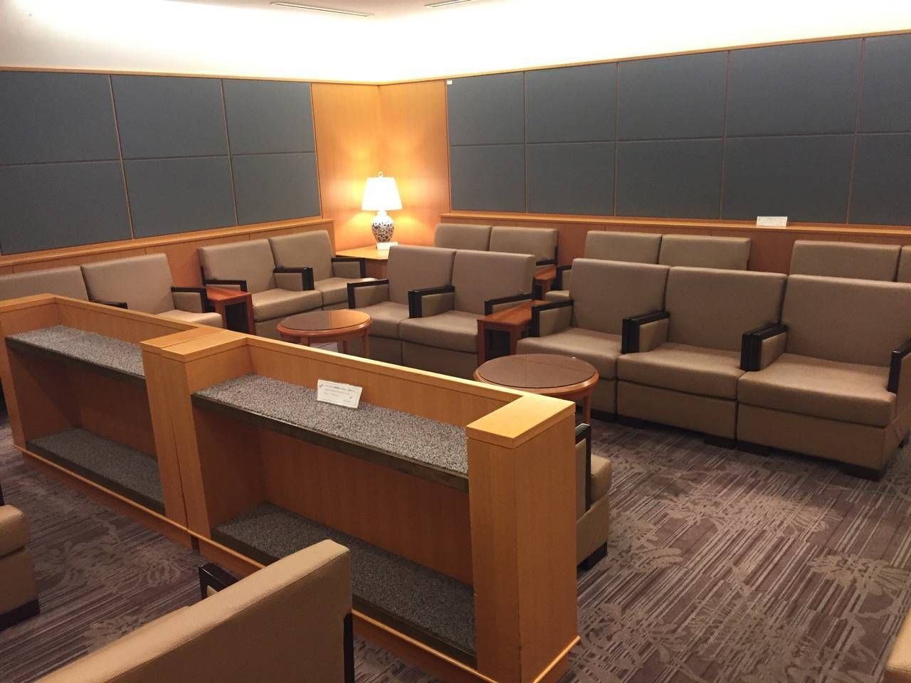 Sakura Lounge Fukuoka-02