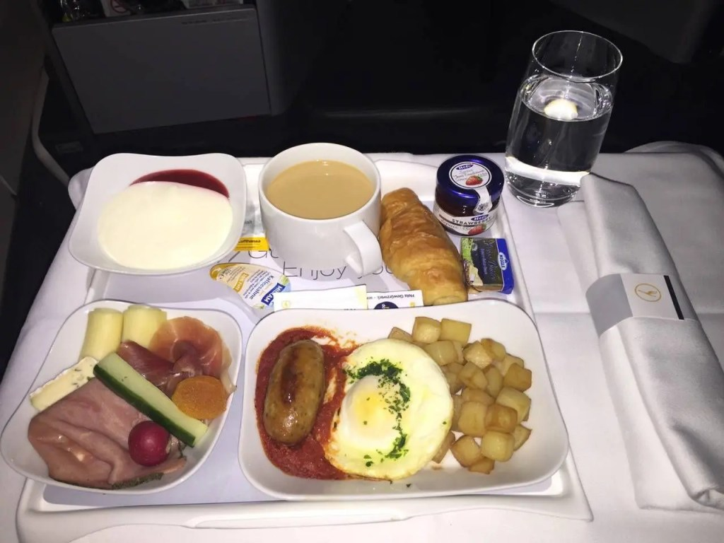 Lufthansa Business Class Executiva B747-8-027