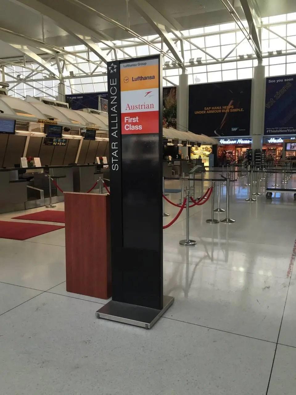 Lufthansa First Class Lounge JFK -012