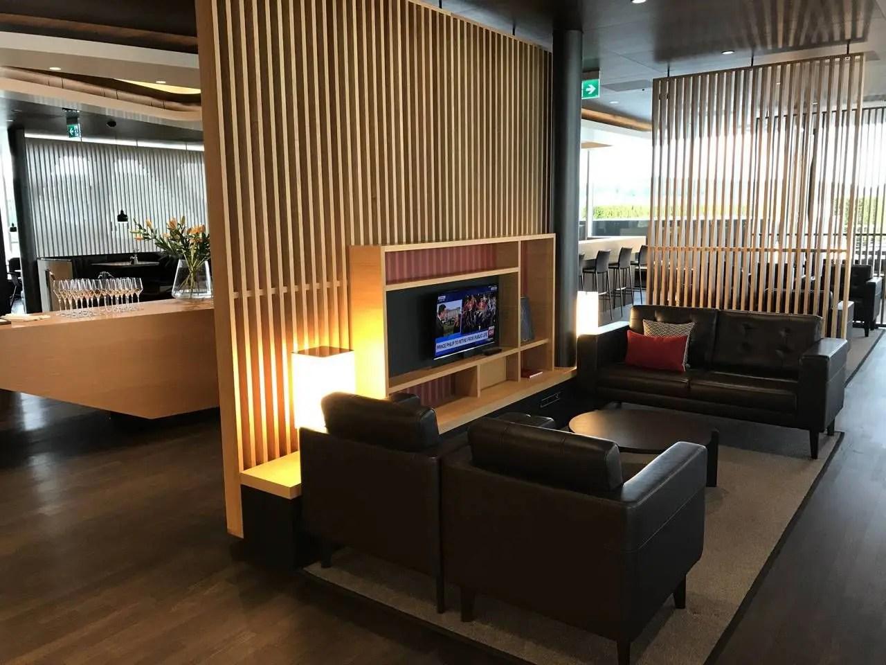 swiss-first-class-lounge-017