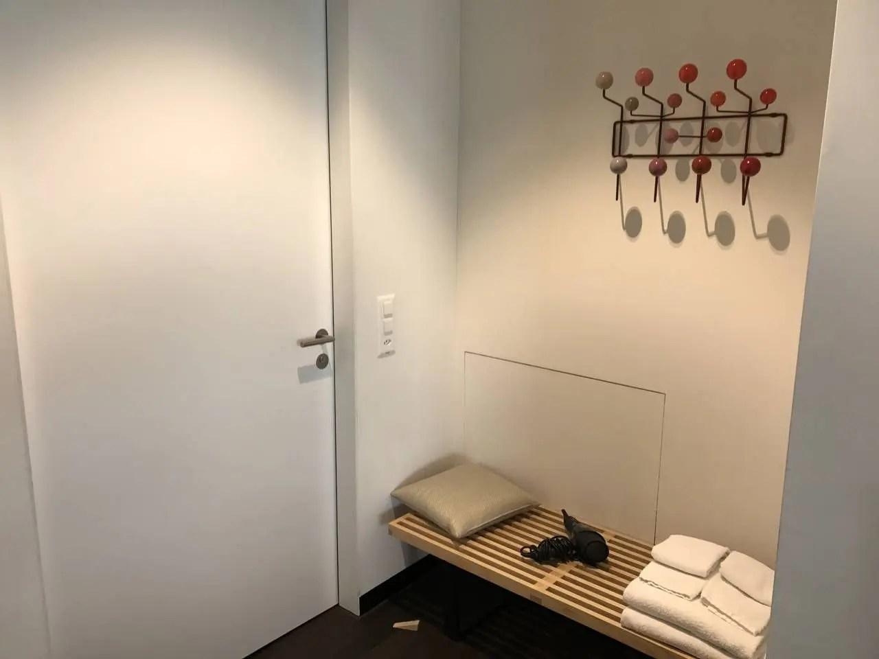 swiss-first-class-lounge-031
