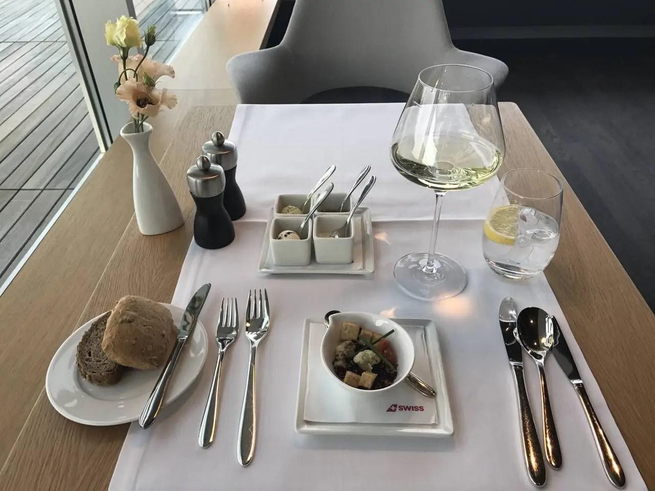 swiss-first-class-lounge-047