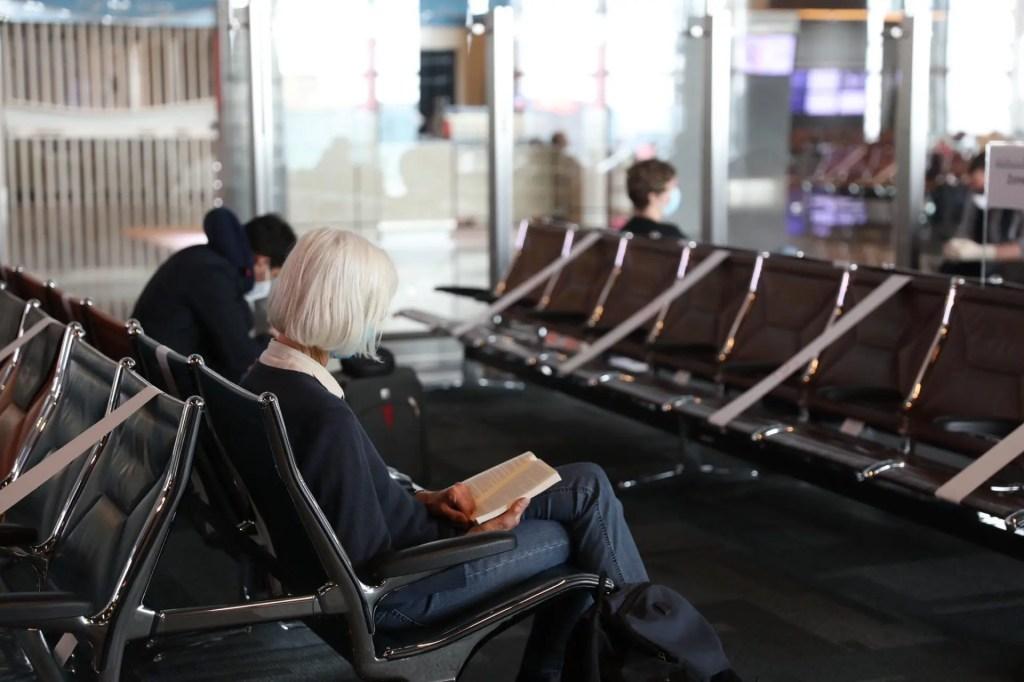 Assentos no Aeroporto de Doha com bloqueio
