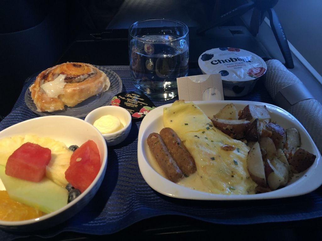 united_polaris_777_café