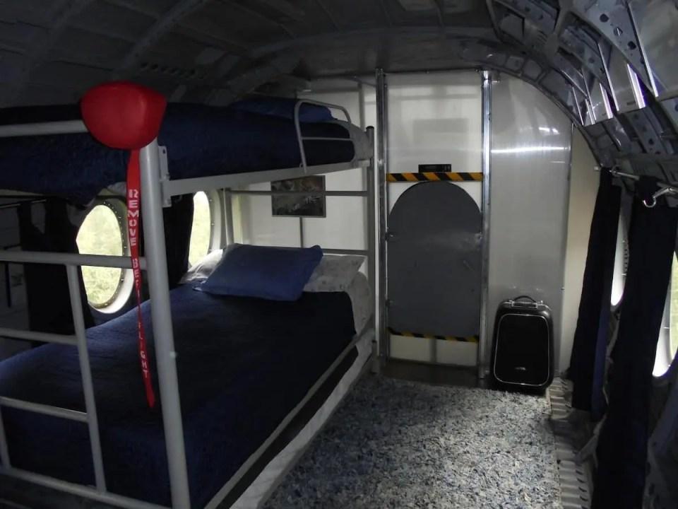 avião airbnb