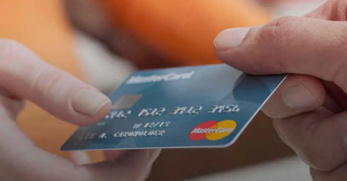 Mastercard seguro viagem COVID-19