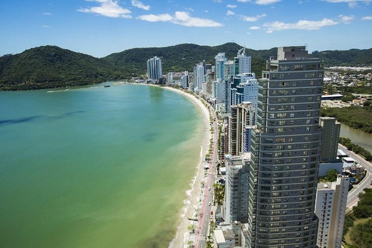 Balneário Camboriú: roteiro de praias e passeios