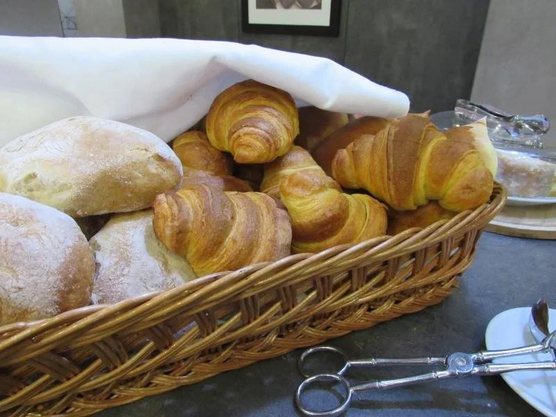 croissants ao pequeno almoço