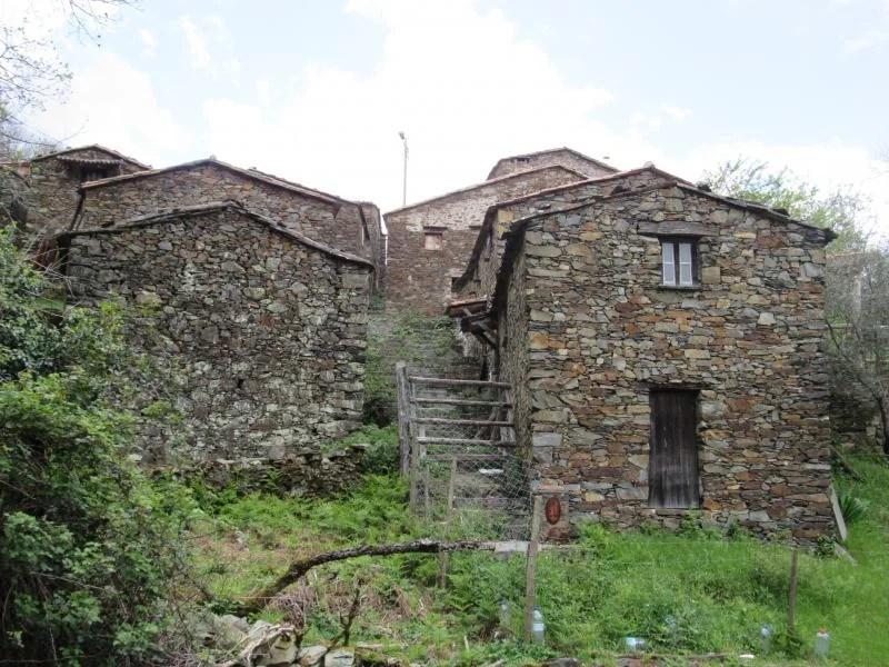 Casas de xisto na Serra da Lousã