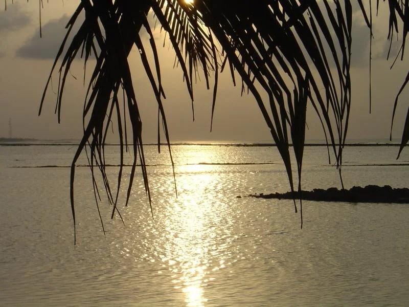 por-do-sol nas Maldivas