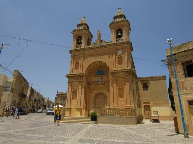 Visitar Marsaxlokk num domingo