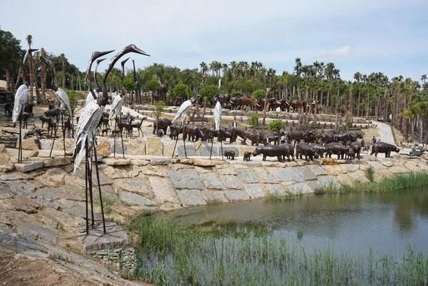 Jardim de esculturas africanas