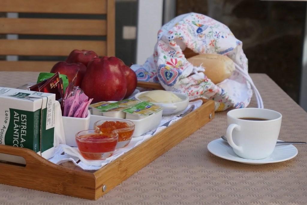 Pequeno almoço no Pátio da Caetana