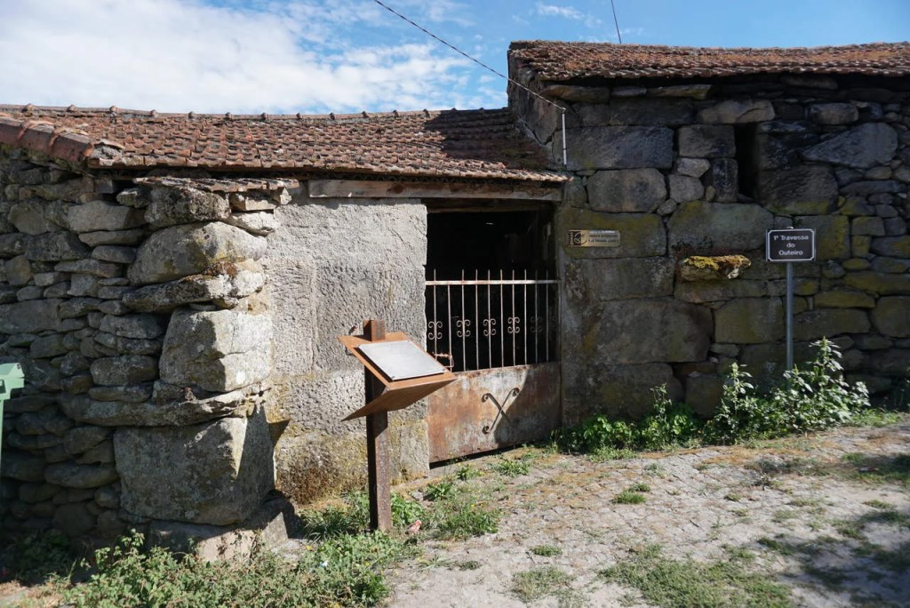 Forno do Povo em Vilar de Perdizes.