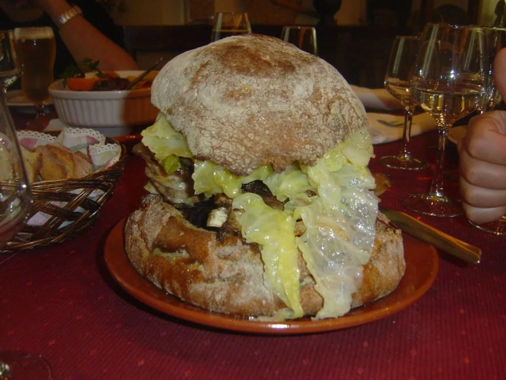 Cozido na Broa (Restaurante O Burgo).