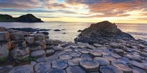 Depois que saímos do Brasil para morar na Irlanda, uma das nossas primeiras escapadas foi para a Irlanda do Norte para conhecer uma das mais maravilhosas obras da natureza, a Giant´s Causeway ou para nós, a Calçada dos Gigantes...MAIS