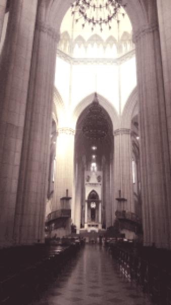 Corredor Central Catedral da Sé São Paulo. Foto: Patricia Ribeiro/ Passeios Baratos em SP