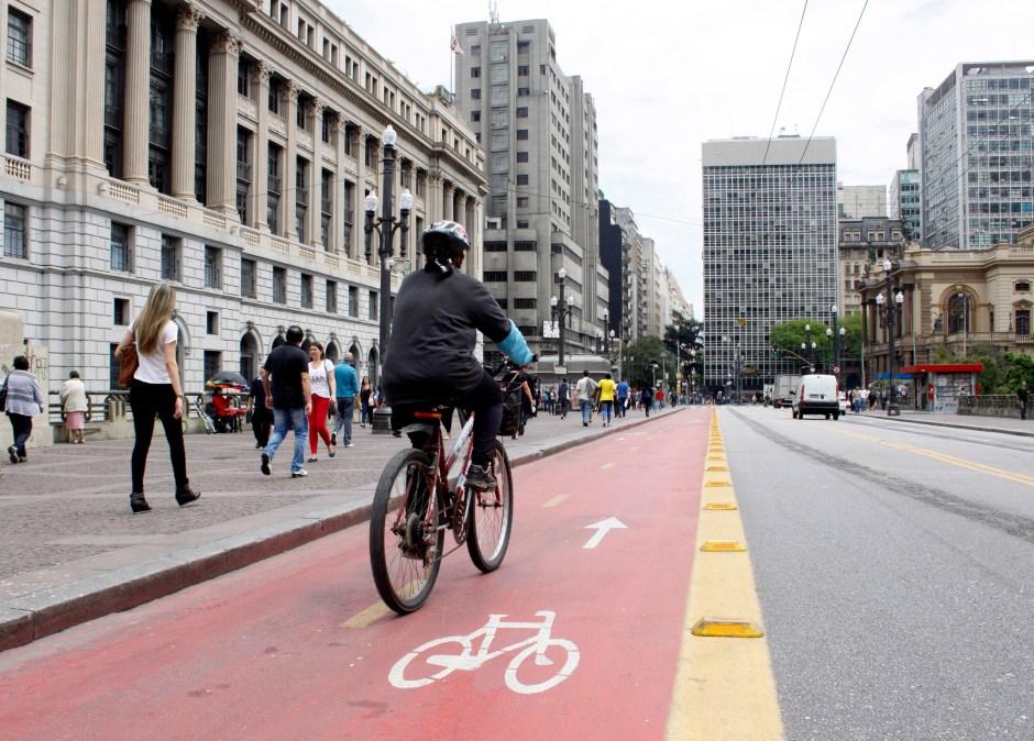 Ciclofaixa Viaduto do Chá. Foto: José Cordeiro/SP Turis