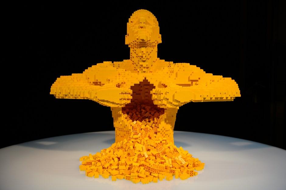 Exposição de Lego na Oca Divulgação