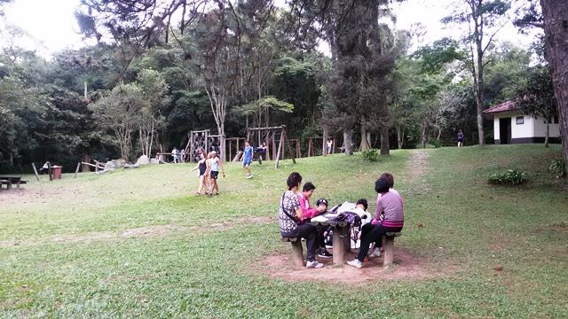 Área de piquenique no Lago das Carpas - Parque da Cantareira Foto: Patrícia Ribeiro/Passeios Baratos em SP