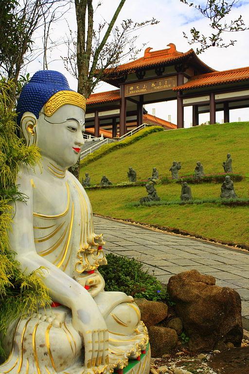 Estátuas budistas estão por toda parte Foto: Wikimedia