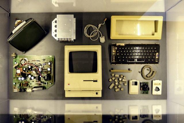 """Macintosh – Uma das peças expostas em """"Steve Jobs, O Visionário"""", entre os dias 15 de junho e 20 de agosto, no MIS, em São Paulo Crédito: Divulgação FullBrand"""