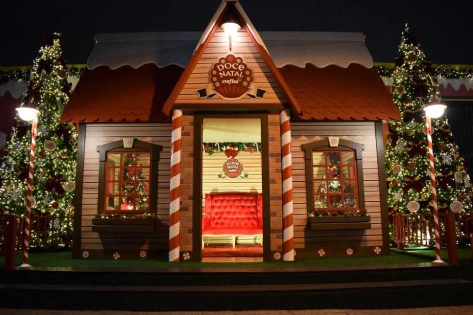 Confira a decoração de Natal da rua Canadá ao som do Quarteto Mozart