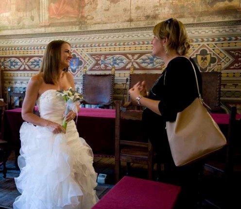 Valentina explica todos os procedimentos burocráticos após o casamento