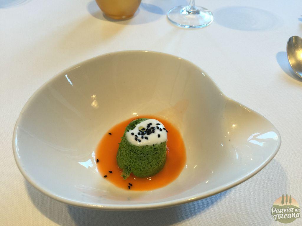 pugna di borraggine, raccolta direttamente nel giardino di villa Bardini, con yogurt acido e succo di carota