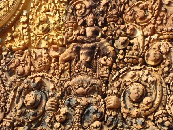 The intricate carvings of Banteay Srei