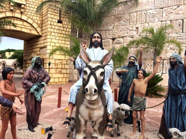 Jesus arriving in Jerusalem - Tierra Santa