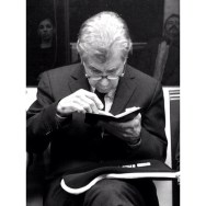 El lector    #   by Javier Matín barcelona, iphoneography, iphoneonly, iphonesia, metro, passengers, streetphotography,