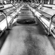 Alguns vagões não tem ar condicionado, eles têm bueiros.   by blogdodourado 1fotopordiadotrem, passengers,