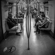 Somente os fortes, belos, sagazes e  que já presenciaram um  PoLe Dance Triplo no metrô do Chile estão acordados agora. by blogdodourado 1fotopordiadotrem, nochilecom50milpesos, passengers,