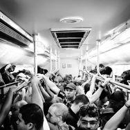 Vamos acordar porque as latas não se catam sozinhas. by blogdodourado 1fotopordiadotrem, passengers,