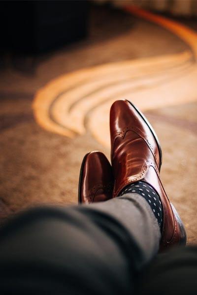 chaussure en cuir pour lutter contre les odeurs de pieds