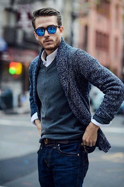 porter un cardigan homme sur un pull en maille fine