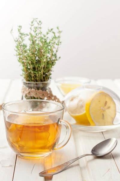 infusion de thym et citron pour soigner une angine