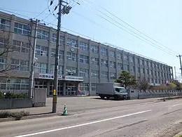 札幌新川高校 - Wikipedia
