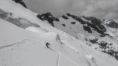 Très belle descente, la meilleure neige du raid...