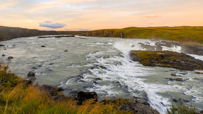 visite guidée en islande, chute d'eau de Urridafoss