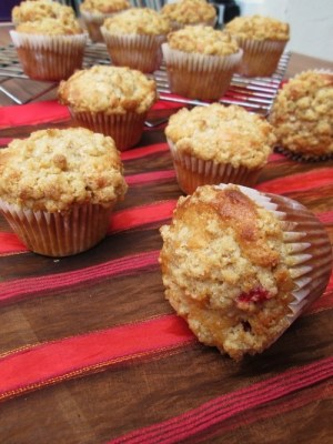 Raspberry Spiced Muffins with a Crumb Topping