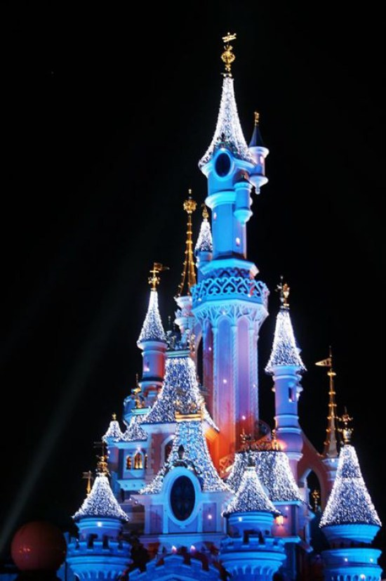 Disneyland Paris - Chateau la nuit 2