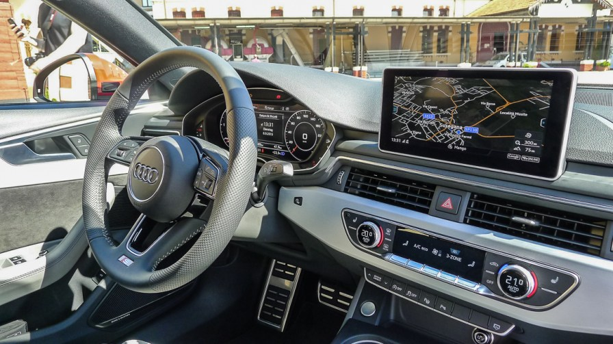 Neuer Audi A4 B9 Innenraum