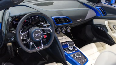 Audi R8 Spyder in arablau matt - Audi Forum Neckarsulm