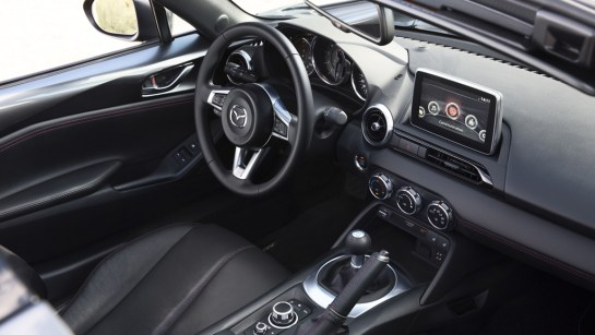 Mazda MX-5 RF (ND) Retractable Fastback Innenraum und Cockpit