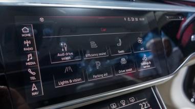 Neue Displays im 2018 Audi A8
